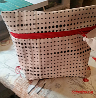 Serger Pintuck Bag